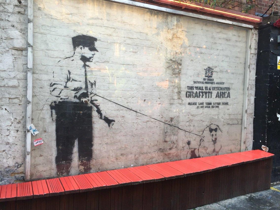バンクシー: ロンドンのショーディッチ周辺を散策